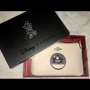 Disney Coach Minnie Wristlet NWT